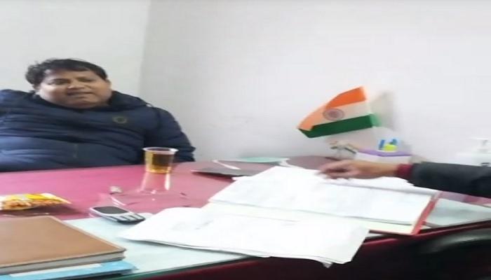 दारू पार्टी हरदोई के सरकारी दफ्तर बने मयखाने, स्वास्थ्य विभाग की दारू पार्टी कैमरे में कैद