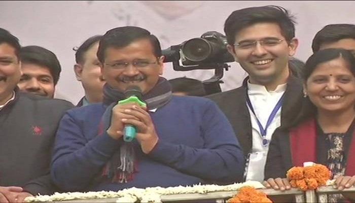 दिल्ली की जीत जीत के बाद बोले केजरीवाल दिल्ली की जनता ने की नई राजनीति की शुरूआत, मंगलवार है तो हनुमान जी का भी धन्यवाद