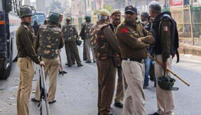 दिल्ली में पुलिस तैनात दिल्ली हिंसा में मरने वालों की संख्या बढ़कर हुई 20,उपद्रवियों को देखते ही गोली मारने का आदेश जारी
