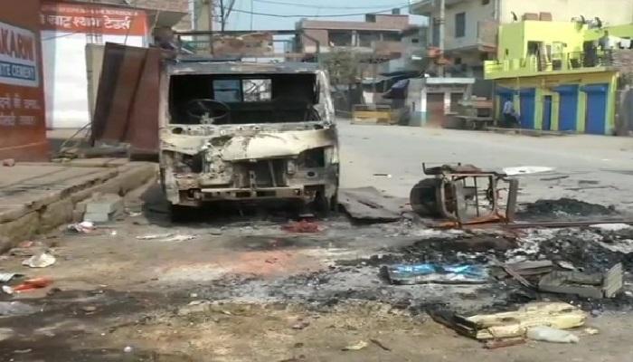 दिल्ली में शांति देश की राजधानी दिल्ली में हुई हिंसा अब थमी,सड़कों पर हुई अजीब सी शांति