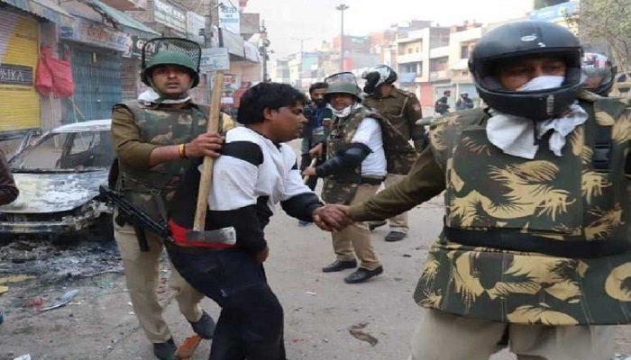 नॉर्थ ईस्ट दिल्ली में CAA को लेकर भड़की हिंसा में एक पुलिसकर्मी समेत सात लोगों की मौत