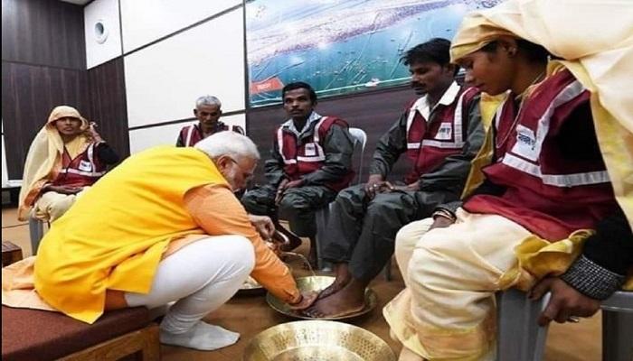 पीएम मोदी 4 पीएम मोदी केंद्र सरकार के सामाजिक न्याय और अधिकारिता मंत्रालय के कार्यक्रम में प्रयागराज पहुंचे
