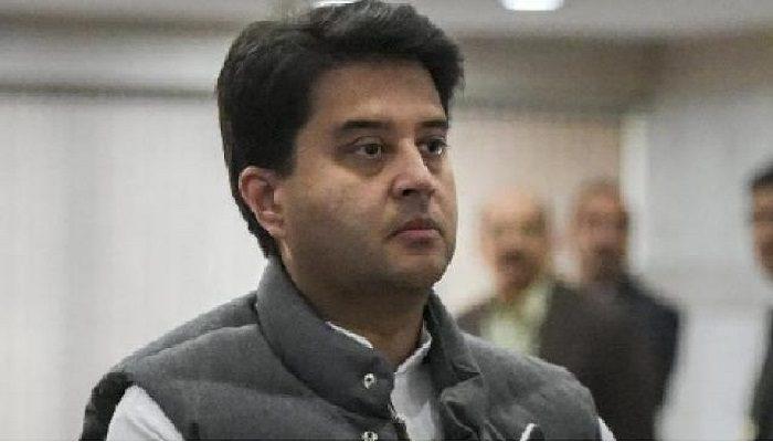 कांग्रेस महासचिव ज्योतिरादित्य सिंधिया के बयान पर आए कांग्रेस नेता आमने-सामने