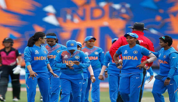 वूमैन टीम इंडिया जीत की हैट्रिक लगाकर न्यूजीलैंड को 3 रन से हराकर टीम इंडिया वर्ल्ड कप के सेमीफाइनल में पहुंची