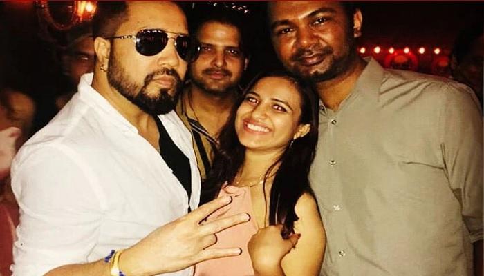 mika singh बॉलीवुड के मशहूर सिंगर मीका सिंह की मैनेजर सौम्या खान ने मीका के स्टूडियो में की आत्महत्या