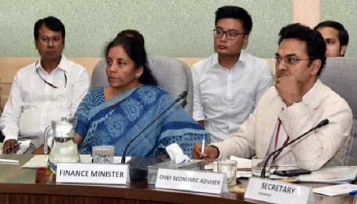 nirmla sitaraman. team बजट के इन 5 मास्टरमाइंड लोगों ने की निर्मला सीतारमण की देश 2020 का बजट बनाने में मदद