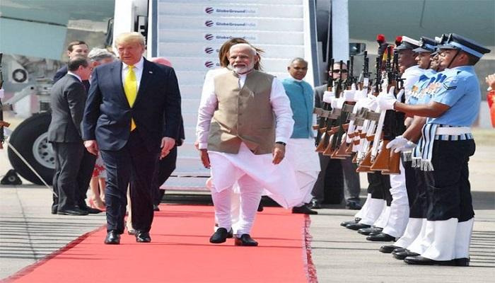 trump अमेरिकी राष्ट्रपति डोनाल्ड ट्रंप अपने दो दिवसीय दौरे पर भारत पहुंचे, एयरपोर्ट पर पीएम मोदी ने गले लगाकर किया स्वागत