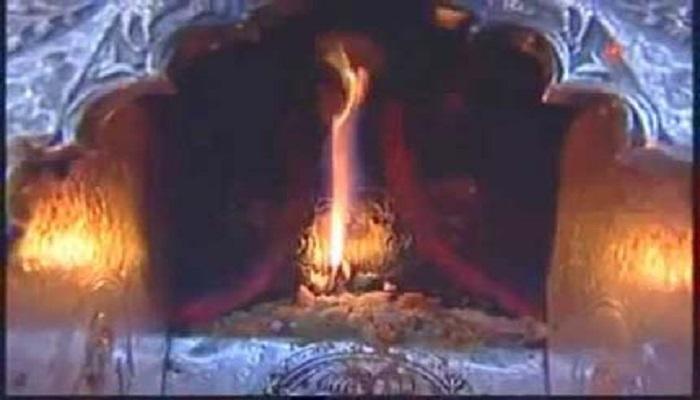 ज्वाला देवी जाने ज्वाला देवी मंदिर का इतिहास, किसी देवी की नहीं ज्वाला की होती है पूजा