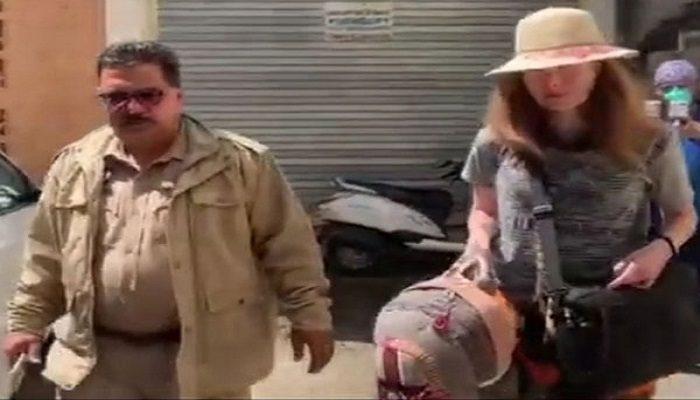 कर्फ्यू के कारण होशियारपुर में फंसी यूक्रेन की महिला, दिल्ली भेजने में जिला प्रशासन ने की मदद