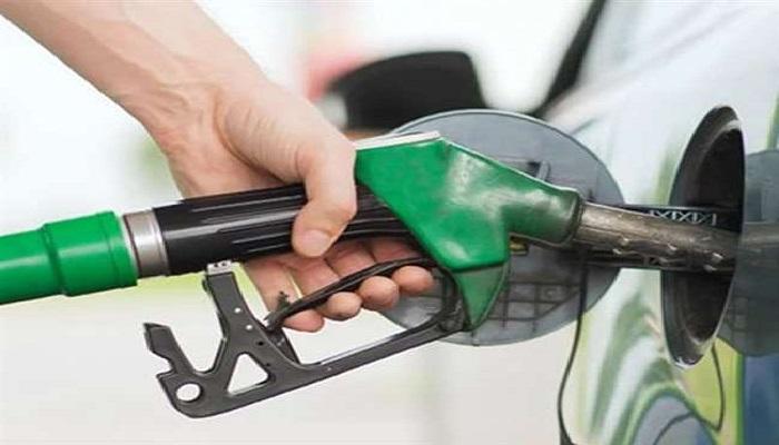 पेट्रोल डीजल 1 वैश्विक बाजार में कच्चे तेल की कीमतों में नरमी के बीच सरकार ने पेट्रोल और डीजल पर बढ़ाए दाम