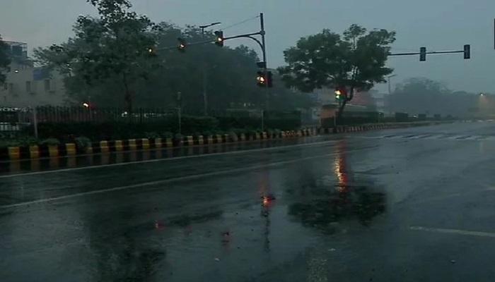बारिश दिल्ली-एनसीआर में मौसम ने बदली करवट, शुक्रवार को बारिश-ओलावृष्टि का ऑरेंज अलर्ट