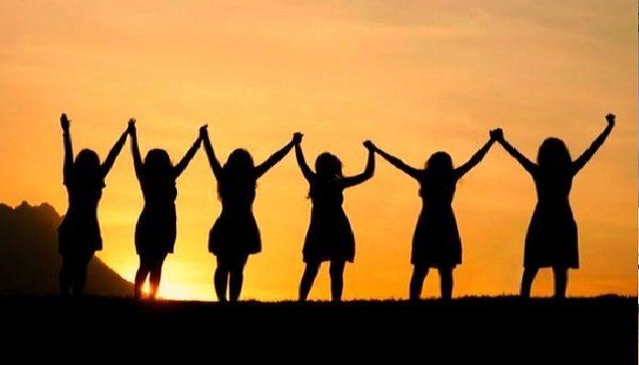 8 मार्च को जात-पात, भाषा, राजनीतिक, सांस्कृतिक भेदभाव से परे एकजुट होकर देश की महिलाएं इस दिन को मनाती हैं