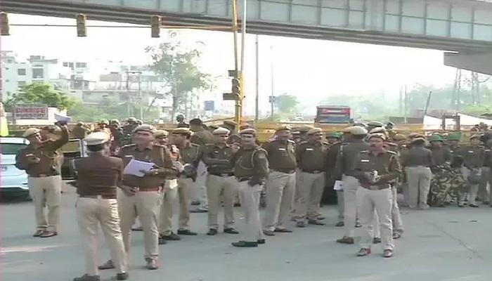 शाहीन बाग 1 दिल्ली के शाहीन बाग में सीएए के खिलाफ पिछले 100 दिनों से चल रहे प्रदर्शन पर पुलिस ने की कार्रवाई, खाली कराया मैदान