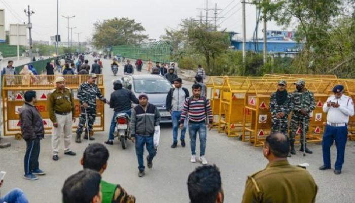 शाहीन बाग सीएए के खिलाफ शाहीन बाग में जारी विरोध प्रदर्शनों के बीच शाहीन बाग में धारा 144 लागू, सुरक्षा के कड़े इंतजाम