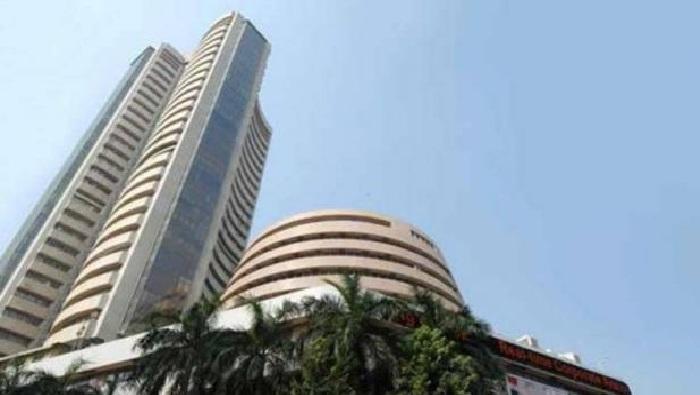 शेयर बाजार कोरोना वायरस की वजह से लगातार दूसरे दिन भी शेयर बाजार में गिरावट देखने को मिली