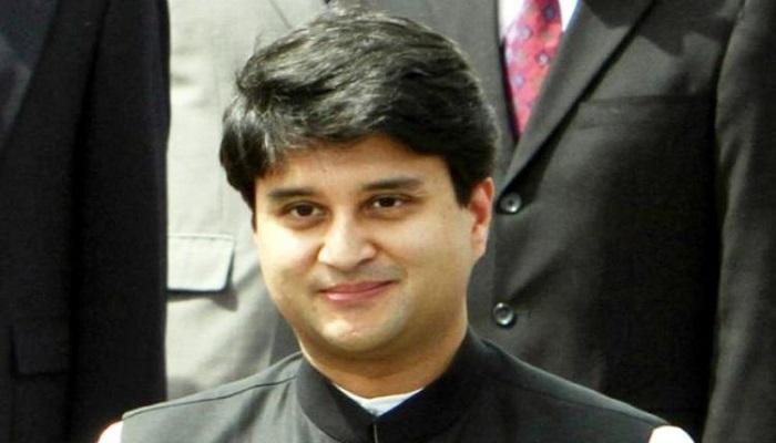सिंधिया. 2 एमपी के कद्दावर नेता ज्योतिरादित्य सिंधिया ने कांग्रेस से इस्तीफा देकर थामा बीजेपी का दामन