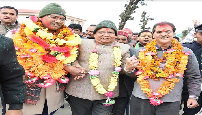 सीएम रावत 1 भराड़ीसैंण में मुख्यमंत्री त्रिवेन्द्र सिंह रावत ने भी होली मिलन का आयोजन किया