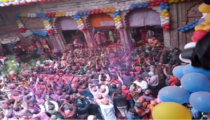 holi 2 देश के अलग-अलग राज्यों में हर्ष और उल्लास के साथ मनाया जा रहा होली का त्योहार, लोगों ने एक दूसरे को रंगों में रंगा