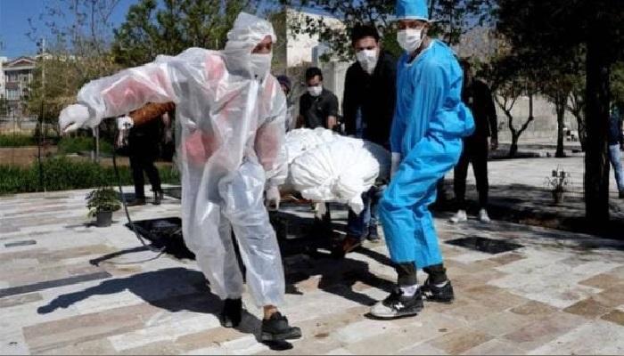 किलर कोरोना वायरस से कहर से जूझ रहे अमेरिका में एक ही दिन में 2 हजार से ज्यादा लोगों की मौत