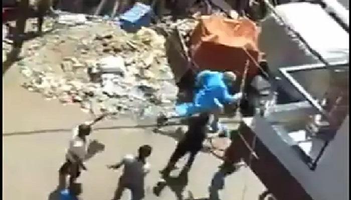 एमपी 1 मध्य प्रदेश में लोगों ने किया कोरोना स्क्रिनिंग टीम पर हमला, डॉक्टरों को खदेड़ कर भगाया
