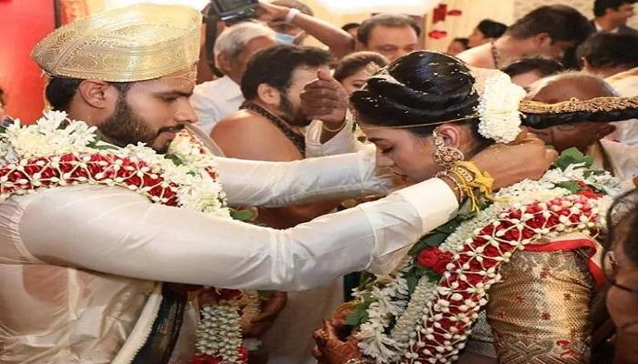 कर्नाटक के बेंगलुरु में उड़ी लॉकडाउन की धज्जियां, लोगों की भीड़ के बीच समंपन्न हुई कर्नाटक के पूर्व सीएम के बेटे की शादी