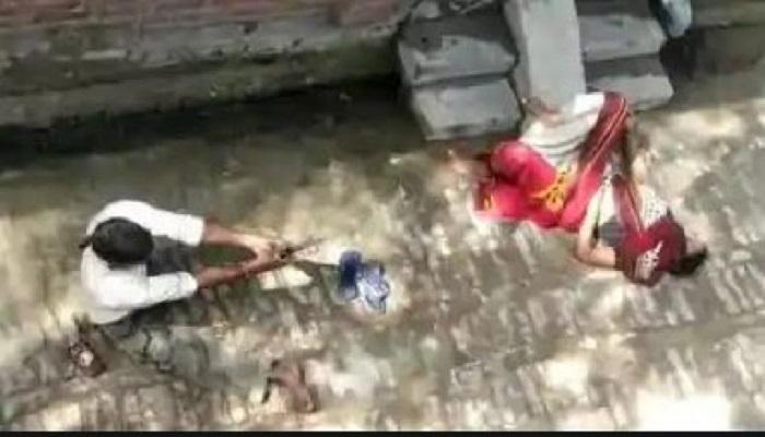 कासगंज उत्तर प्रदेश के कासगंज में एक 60 साल की महिला को मारी गोली, पड़ोसी बनाते रहे वीडियो
