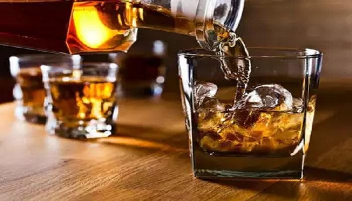 जम्मू 1 जम्मू-कश्मीर प्रशासन ने दिए लॉकडाउन के दौरान शराब चोरी कर उसे बेचने के बढ़ते मामलों की जांच के आदेश