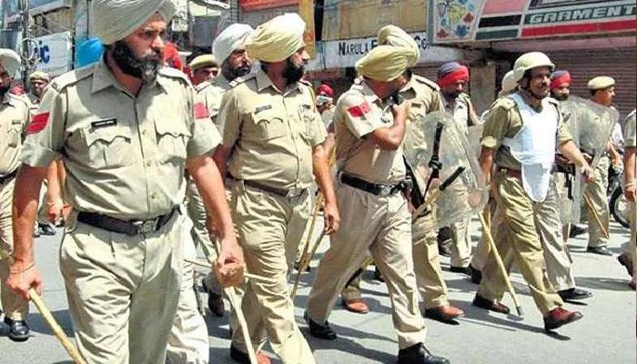 पंजाब 8 कोरोना संकट ने बदली भ्रष्टता और असंवेदनशीलता का पर्याय बन चुकी पंजाब पुलिस की छवि