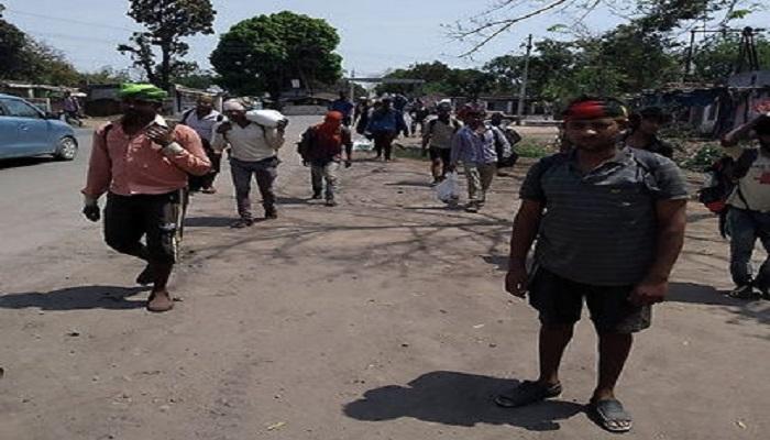 बिलासपुर फैक्ट्री मालिकों ने काम से निकाला तो 90 मजदूर पैदल ही घर जाने के लिए निकल पड़े