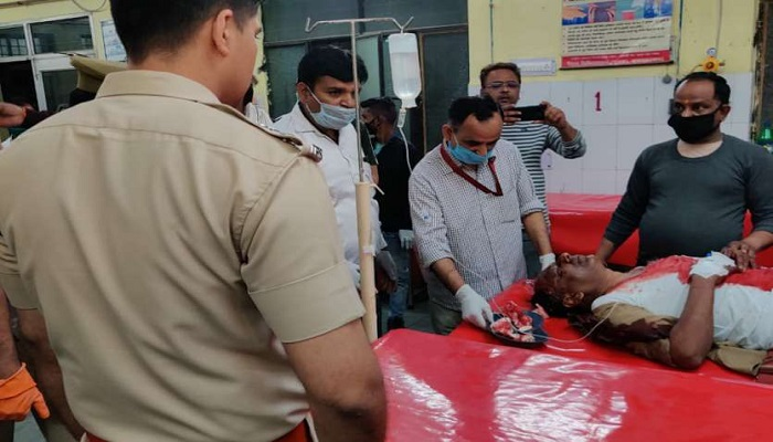 मुजफ्फरनगर सहारनपुर के बाद मुजफ्फरनगर में पुलिस पर हमला, सब इंस्पेक्टर और कॉन्स्टेबल हुए घायल