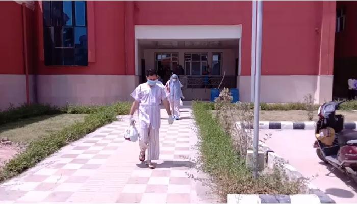 मेरठ 3 खुशखबरी: मेरठ मेडिकल कॉलेज में 12 कोरोना पॉजिटिव मरीजों की रिपोर्ट आई नेगिटिव, 9 को भेजा घर
