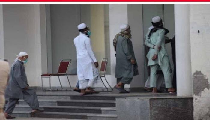 सहारानपुर सहारनपुर के मिर्जापुर कस्बे की मस्जिद में इक्कठा होकर नमाज पढ़ने वालों पर पुलिस ने 16 लोगों पर दर्ज किया केस