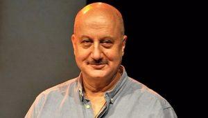 Anupam Kher 1 कपिल देव के नये लुक ने 'गंजों की महफिल' के उड़ा दिए होश..