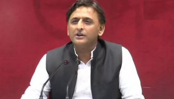 akhilash yadav विकास दुबे को लेकर अखिलेश यादव ने किया ट्विट, कहा कार पलटी लेकिन सरकार पलटने से बच गई