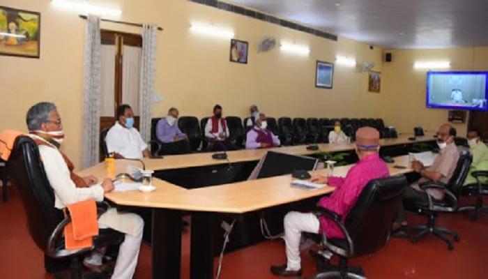 cm rawat 4 खत्म हुई मुख्यमंत्री आवास में मंत्री परिषद की बैठक