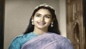 nutan 2 जानिए कैसी थीं बॉलीवुड की पहली मिस इंडिया नूतन जिन्हें देखकर अमिताभ गिरते-गिरते बचे थे..