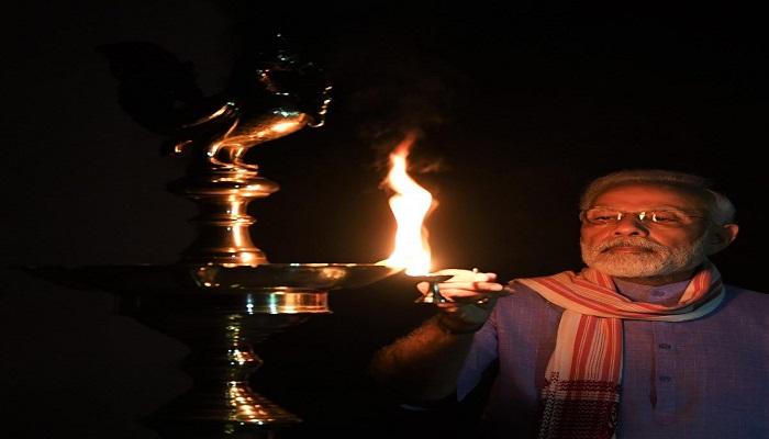 pm modi पीएम मोदी की अपील को ध्यान में रखते हुए पूरे देश ने रविवार 5 अप्रैल को रात 9 बजे 9 मिनट तक दिये जलाएं