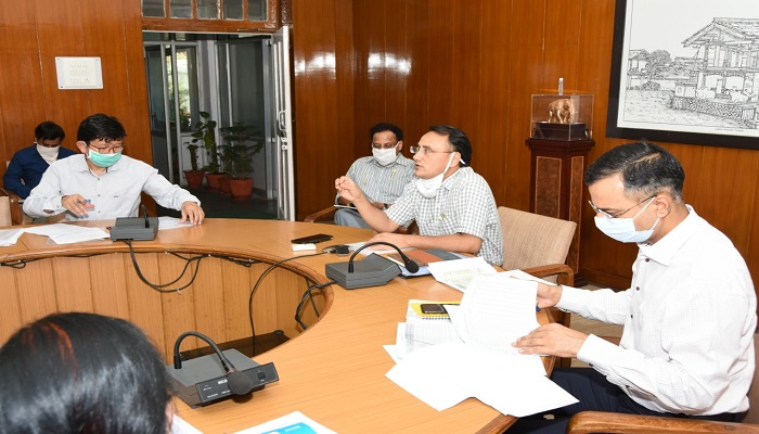 उत्तराखंड मीटिंग सचिव चिकित्सा स्वास्थ्य अमित नेगी ने वीडियो कांफ्रेंसिग द्वारा प्रदेश में कोविड-19 की स्थिति की समीक्षा की