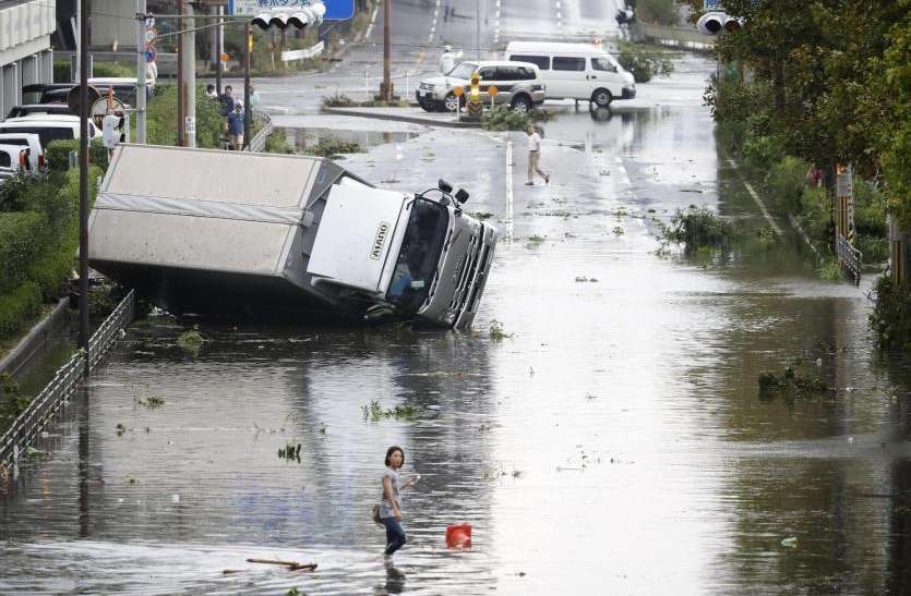 amfan 1 अम्फान तूफान की तबाही से हिला देश, भारी नुकसान के साथ गई जाने..