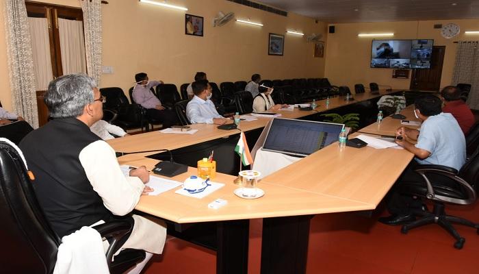 cm rawat सीएम रावत ने दून मेडिकल कॉलेज में 73 ICU, 46 वेण्टीलेटर तथा 21 बाईपैप मशीनों का लोकार्पण किया