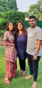nishi 2 निशि सिंह सिर्फ एक महान गायक नहीं बल्कि चित्रकार और समाजसेवी के साथ एक बेहतरीन मां भी हैं,  जानिए निशि सिंह के जीवन से जुड़े अनकहे किस्से..