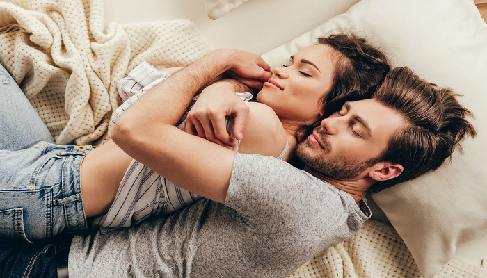 sex 1 सेक्स करने से पहले हो जाएं सावधान वरना हो जाएगा कोरोना, जानिए सेक्स से कैसे फैलता है कोरोन..