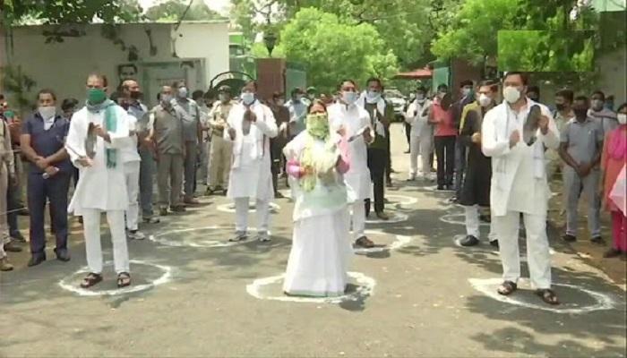 BIHAR बीजेपी की रैली का राबड़ी देवी और तेजस्वी यादव ने किया थाली पीटकर विरोध