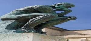 amrerica 1 अमेरिका में क्यों तोड़ी जा रहीं इतनी बड़ी तैदात मूर्तियां?