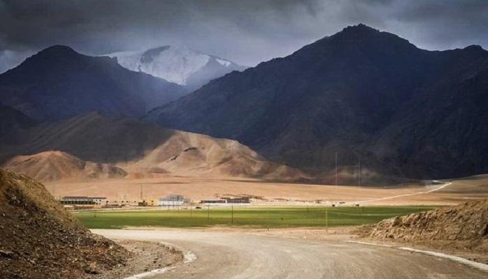 लद्दाख में हुई खूनी हिंसा के गलवान घाटी में तैनात हुए भारत-चीन के सैनिक, जानिए क्या है पूरा मामला..