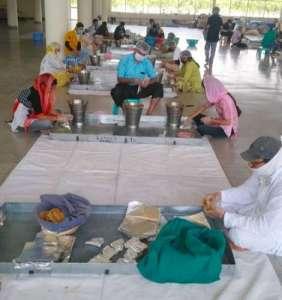 radha swami 4 3 लाख खाने के पैकेट किए तैयार,राधा स्वामी सत्संग ब्यास जम्मू