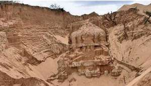 shiv 1 1 रेत से निकला हजारों साल पुराना शिव मंदिर, जानिए क्यों है खास?