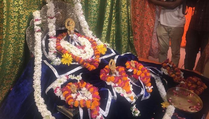 ayodhiya अयोध्या पहुंचे सीएम योगी, बांके बिहारी के किए दर्शन