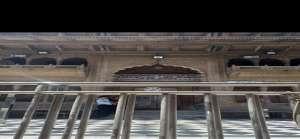 banke 2 बिना भक्तों के श्री बांके बिहारी मंदिर में की गई गुरू पुर्णिमा की विशेष पूजा