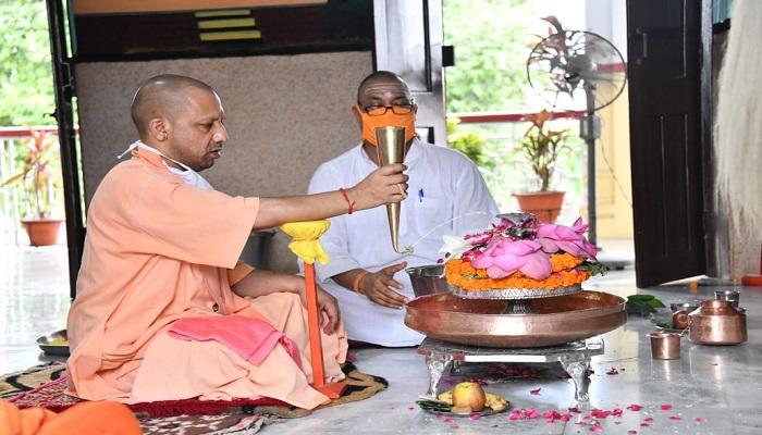 cm yogi.jpg 2 सीएम योगी के आवास पर आज होगा रजतशिला का पूजन..